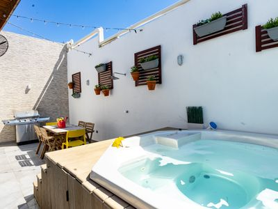 Photo for Torre ZT · *NEW* PRIVATE JACUZZI AND City Views | PH .