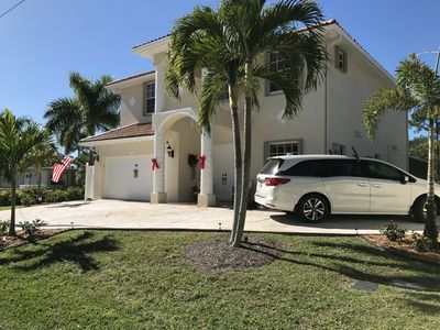 Photo for 3 mi to 5th & Naples Beach | Waterfront, 3400 sqf, quite location