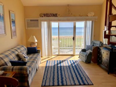 Photo for Clean, Ocean front and close to the pier!