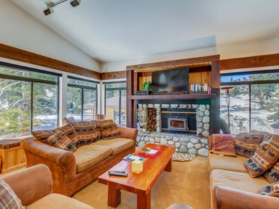 Photo for Spacious condo w/ shared hot tub, sauna & seasonal pool - walk to lifts/gondola!