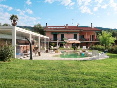 Photo for One bedroom Villa, sleeps 2 in Pairola with Pool, Air Con and WiFi