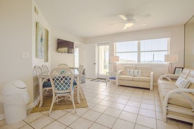Summer Breeze 15 Beautiful Ground Level Unit Ask About