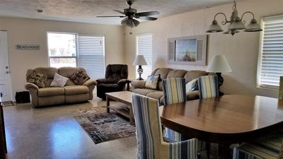 Living Room large Flat Screen TV Open kitchen,  steps to beach!