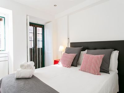Photo for Couple or self isolation in 1-bed flat w/ balcony, in Alfama