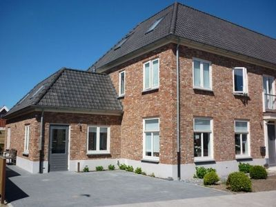 Photo for Charming holiday home in Domburg, within walking distance to Beach and Sea!
