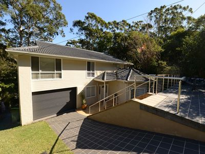 Photo for Spacious home with pool in Avoca Beach