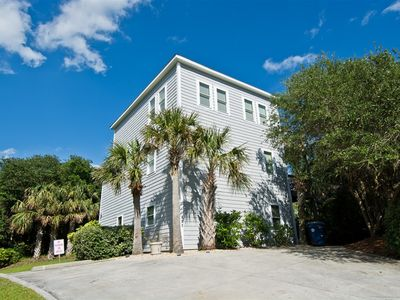 Photo for The While-Away House, 4 bdr/3.5 bth Getaway w/Beautiful Views of the Ocean