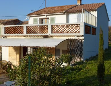 Photo for Atypical house, by the country and the seaside, 90m2. Pets allowed