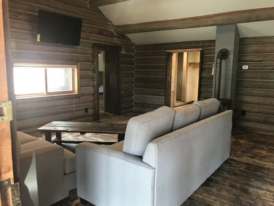 Newly Remodeled Log Cabin-Beautiful High End Amenities- TV w/streaming accounts