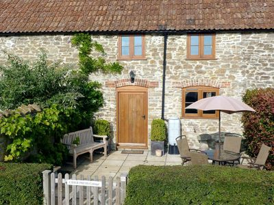 Photo for 2 bedroom accommodation in Leigh, near Sherborne