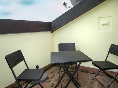 Photo for Beautiful apartment for 5 people with WIFI, pool, A/C, TV, balcony, pets allowed and parking