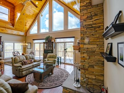 Photo for 4BD with Lake Access, Mtn Views, Hot Tub, Pool Table, Club Privileges, < 2 mi from Ski Beech