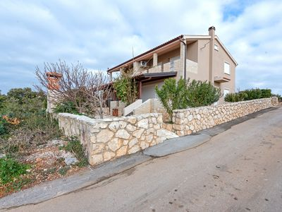 Photo for Modern Holiday Home in Mandre with Barbeque