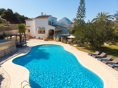 Photo for 7 bedroom Villa, sleeps 16 with Pool, FREE WiFi and Walk to Beach & Shops