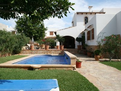 Photo for Quiet area, close to beach & amenities with AA/CC and privat pool