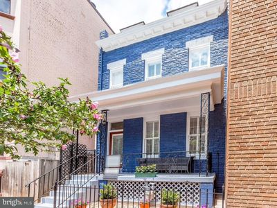 Photo for Entire Home! Dupont Circle 4BR, 2.5BA, Sleeps 7-9+