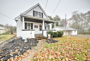 Photo for 3BR House Vacation Rental in Burgettstown, Pennsylvania