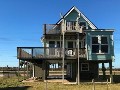 Photo for Beach View/Beach Front, sleeps 10, Pet friendly!