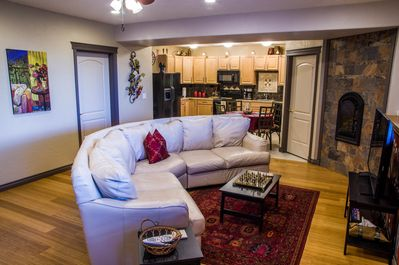 Open living room with lots of room.