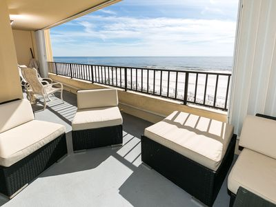 MASSIVE balcony on SD 402 with lots of seating room - There is plenty of space for relaxing on the balcony to enjoy the sounds of the Gulf.