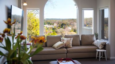 Photo for Aroona - Panoramic Views of Lake Daylesford