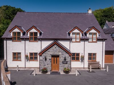 Photo for Sycamore Cottage - Graiglwyd Holiday Cottages