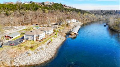 Photo for Sparkling Clean! Lakeside Retreat on Taneycomo - Near Marina and Moonshine Beach