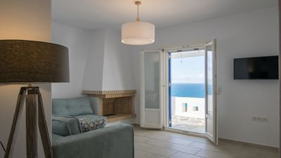 Photo for Apricot and Sea 3-Bedroom Maisonette Villa Kitron