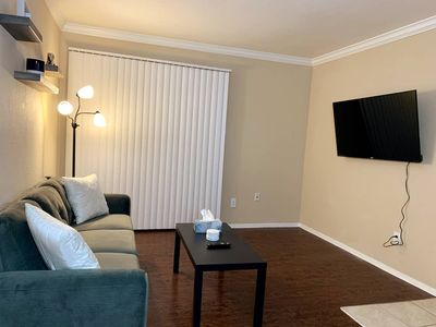 Photo for Beautifully Furnished Home | Near Med Center & NRG