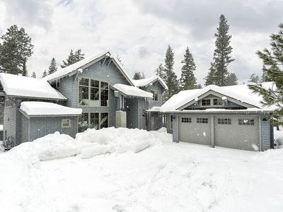 Photo for Contemporary Home. BBQ, Hot Tub, Privacy, Forest Views, and Full Resort Access!