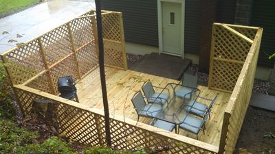 Back deck - gas grill with patio set, seats 6 people