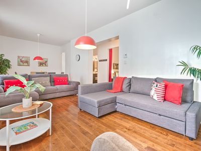 Photo for Liv MTL | Chic 2 | Up to 60% OFF  | Central  4BR + Patio | Big Family