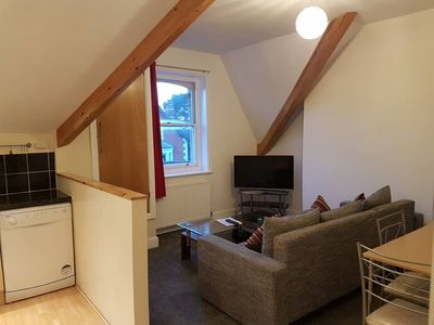 Photo for Lovely 1 bed, Modern, Sleeps 5, Wifi, Parking