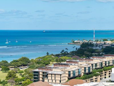 Photo for High Floor Ocean View! Best Value Hotel Type Ala Moana Condo! (AH02)