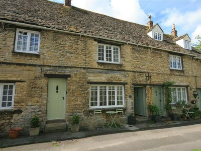 Photo for 6  George Yard, Burford
