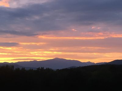 Photo for North Conway-AVAILABLE THIS WEEKEND! Panoramic Mtn View, <1 mile to Village!