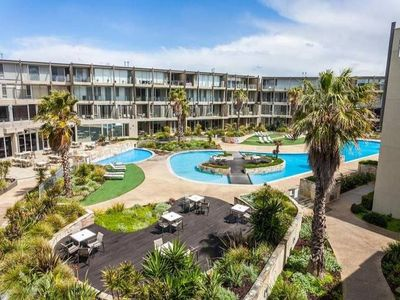 "Photo for QUALITY TORQUAY RESORT "" DUAL KEY"" BEACHSIDE"