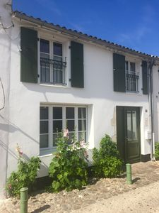 Photo for La Flotte-en-Ré 4 **** traditional village centre house minutes from beach