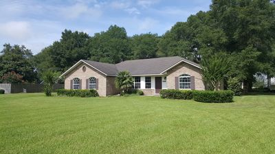 Photo for Stellar Reviews, Charming Home-Heart of Springs Country. 3 mi to I-75.