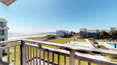 "Photo for Ready Now- No Storm Issues! FREE BEACH GEAR! East End, Poolside. Pets OK, Wi-Fi, 3BR/3BA ""Ocean Mile D-6"""