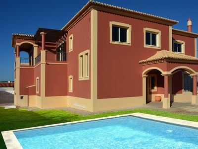 Photo for Ample villa for 10 only within 700 meters from the beach.