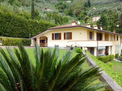 Photo for Villa large pool in a beautiful quiet location, 12 km from the beach.