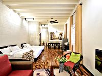 The host was very easy to communicate with and the appartment was spacious, decorated well and very