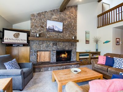 Photo for Spacious home with great Sunriver Charm, Walk to Fort Rock Park - ALPI07
