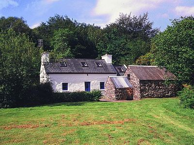 Photo for Traditional stone cottage (19th c…