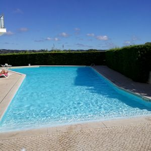 Photo for Apartment with pool 800 meters from the beach São Martinho do Porto