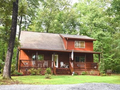 Photo for Less than 15 minutes from downtown Blue Ridge!