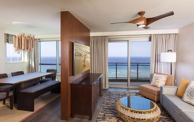 Photo for Luxurious Beachfront Penthouse 3-Bedroom Grand Islander Residence
