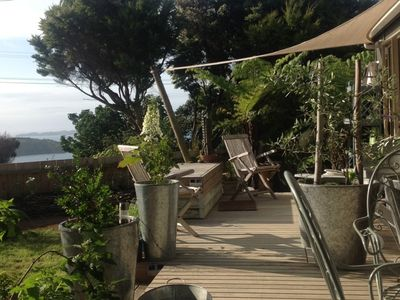 Photo for One bedroom house with sea view & bush garden near Little Oneroa