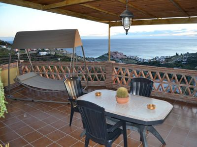 Photo for Luxury Detached Villa with stunning views Mar.
